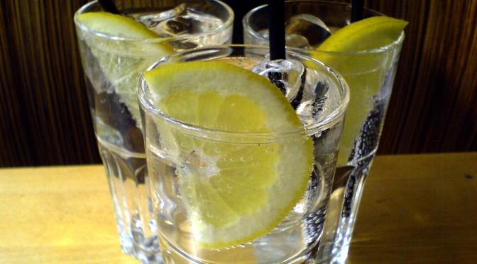 Flickr_-_cyclonebill_-_Gin_^_tonic